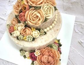 광화문한국문화센터 앙금플라워 강좌입니다  추식명절을 앞두고 선물할 케익을 만드신 수강생분 화려하고 맛도 좋아 선물용으로 최고에요~^^  매주 월금토 개인지도 수시등록 받습니다 02-737-0621 www.yeshanc.com